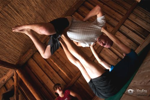 Czym jest acro-joga? Mirek Kozłowski