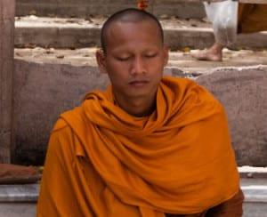 medytujący mnich buddyjski