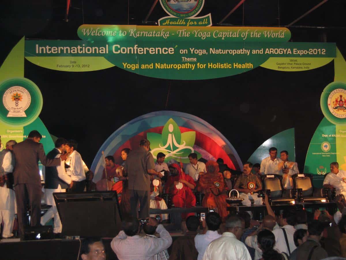 Reportaż z Międzynarodowej Konferencji o Jodze i Naturopatii AROGYA EXPO-2012 (9-12 luty). Krzysztof Stec