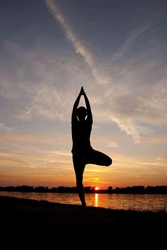 Pozycje jogi: drzewo