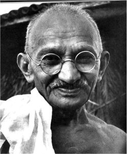 Joga biernego oporu i Mahatma Gandhi. Ola Ziarnik-Mizgier