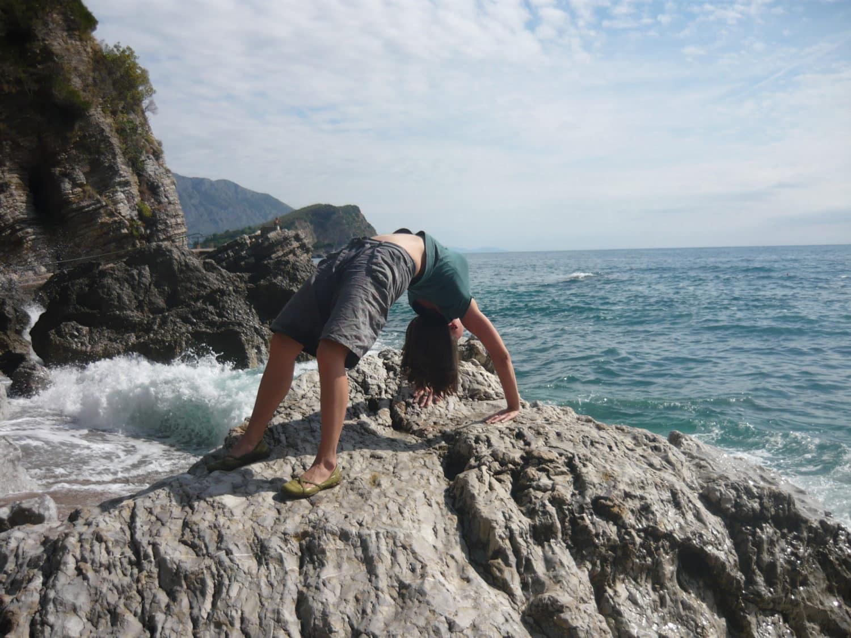 Pozycje jogi – pozycja mostka