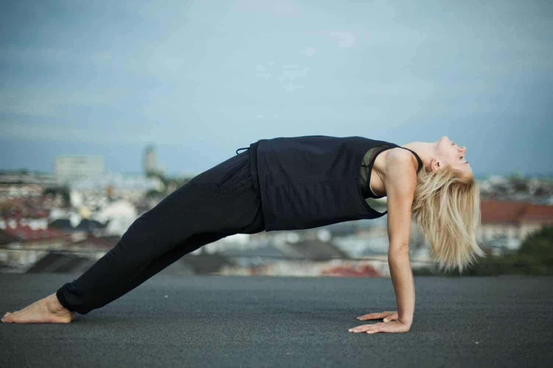 Pozycje jogi – purvottanasana