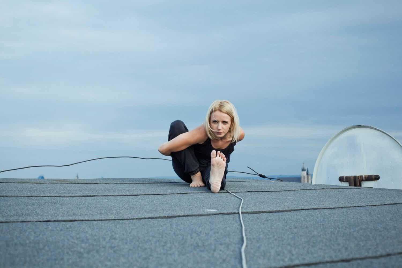 Pozycje jogi – Mariciasana I