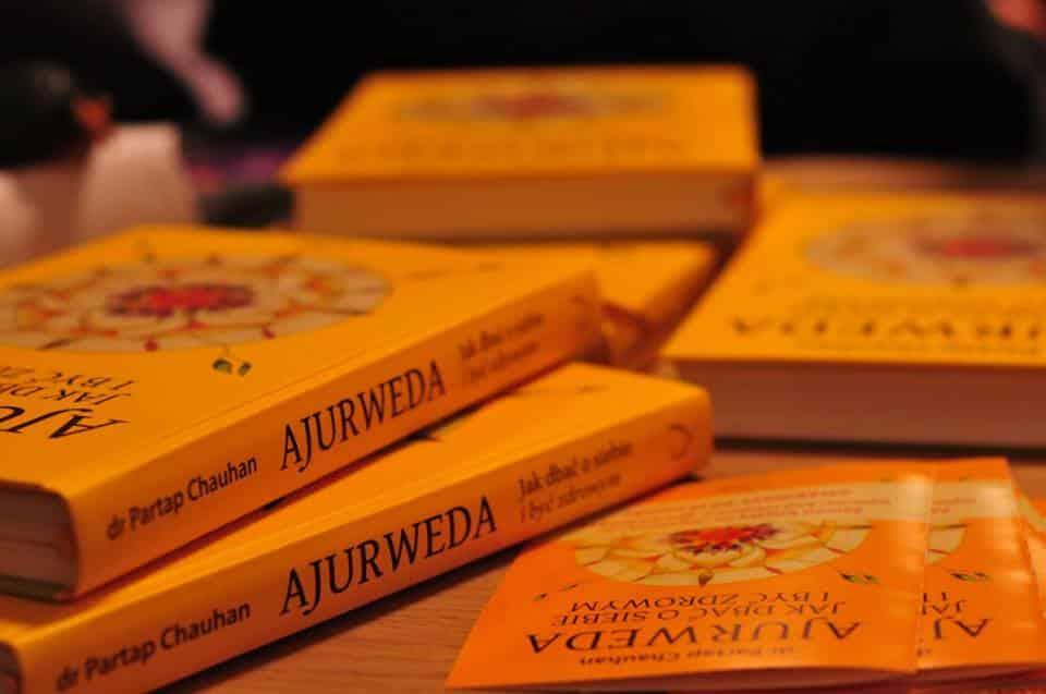 """Partap Chauhan """"Ajurweda. Jak dbać o siebie i być zdrowym"""". Fragment rozdziału pt.: Pełnia zdrowia"""