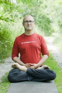 Maciej Wielobób joga i medytacja